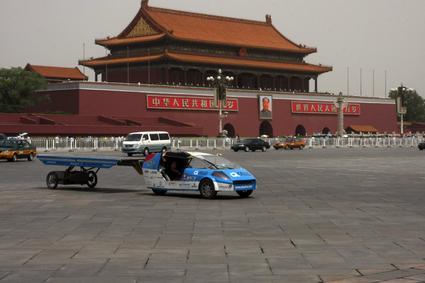 le taxi solaire en tournée mondiale